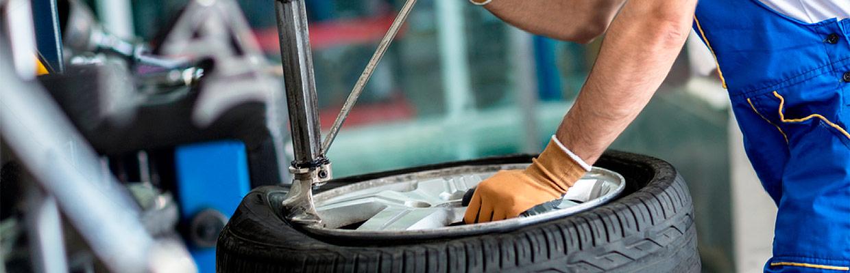 Шиномонтаж во Владимире штампованных и литых дисков, ремонт проколов и боковых порезов камерные и бескамерные шины цены.