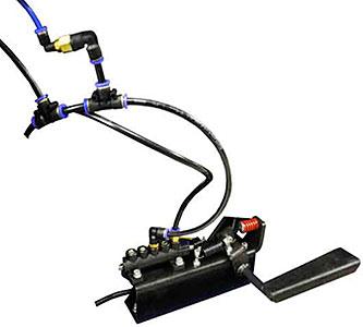 В полуавотматическом шиномонтажном станке Сивик КС-302А 380В установлена педаль для управления накачиванием колес.