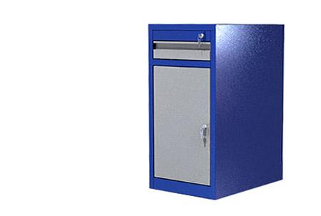 """Тумба ВТ1 окрашена в синий цвет """"шагрень"""" ящики, полки и двери в серый."""